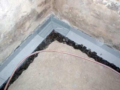 Kelder draineren tegen vocht