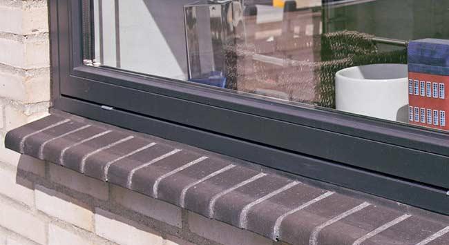Hoe vervang je een raamdorpel