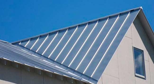 Zinken dak op een schuin dak